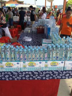 Tianmei's bottled drinking water at a contracted store's promotional event